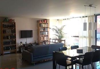 Apartamento en Conquistadores, Laureles - 121mt, tres alcobas, balcon