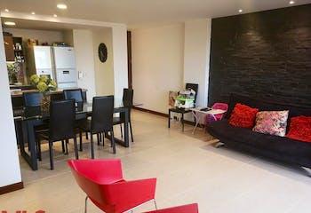 Apartamento en El Esmeraldal, Envigado - 107mt, tres alcobas, balcon