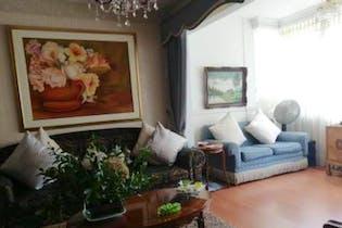 Casa En Medellin Castellana, Con 3 habitaciones-200mt2