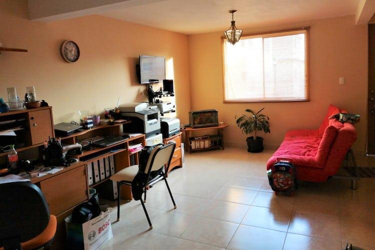 Portada Casa en venta en Jardines De Atizapan con 3 Recamaras.