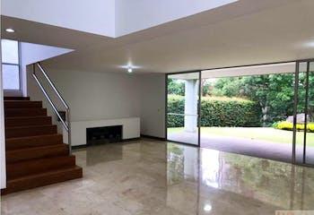 Casa en San Lucas, Poblado - 679mt, dos niveles, tres alcobas