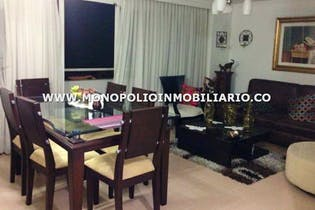 Apartamento en La Castellana-Laureles, con 3 Habitaciones - 104 mt2.