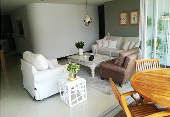 Apartamento en Los Balsos, Poblado - 126mt, tres alcobas, balcon