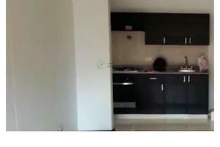 Apartamento en Ciudad del Rio, Poblado - 72mt, tres alcobas, balcon