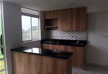 Apartamento en Sabaneta, Aves Maria - 50mt, tres alcobas, balcon