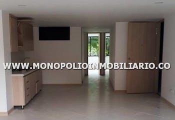 Apartamento en Loma de Benedictino, Envigado - Tres alcobas