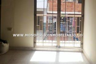 Casa en Miraflores, Buenos Aires - 80mt, tres alcobas, balcon