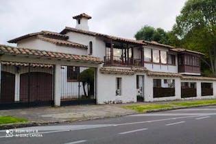 Casa en venta en Barrio Usaquén con Jardín...