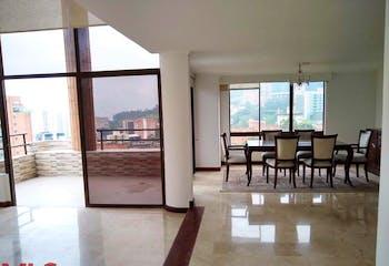Apartamento en Las Lomas, Poblado - 298mt, cinco alcobas, balcon