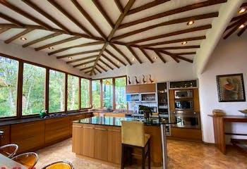 Casa en venta en Loma Del Chocho de 5 hab. con Zonas húmedas...