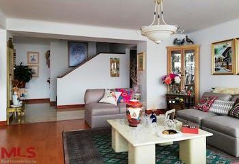 Apartamento en el Poblado,la Tomatera, 300 mts-4 Habitaciones