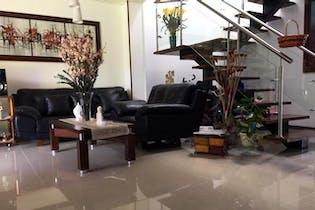Casa en venta en Loma del Atravezado de tres habitaciones