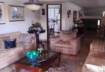Apartamento en La Aguacatala-El Poblado, con 3 Alcobas - 257 mt2.