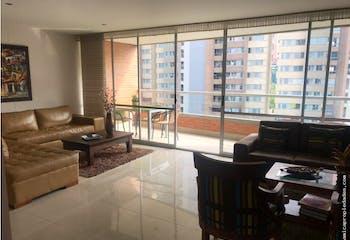 Apartamento en Loma de Benedictinos-Envigado, con 3 Habitaciones - 167 mt2.