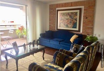 Apartamento en La Tomatera, El Poblado - 190mt, tres alcobas, balcon
