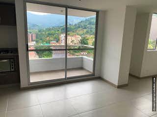 Una ventana que está en la cocina en Apartamento en Las Antillas, Envigado - 69mt, dos alcobas, balcon