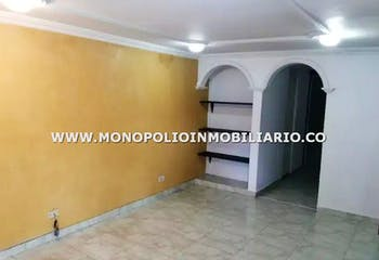 Casa en Calasanía-La América, con 2 Habitaciones - 60 mt2.