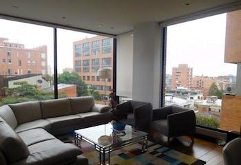 Apartamento en venta en Rosales de 4 hab. con Minigolf...
