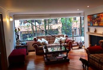 Apartamento en venta en Barrio La Carolina de tres habitaciones
