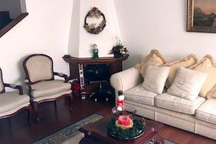 Casa en Cedro Golf, Cedritos, 4 Habitaciones- 142m2.