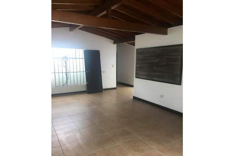Portada Casa en Estadio, Medellín, 4 Habitaciones- 151m2.