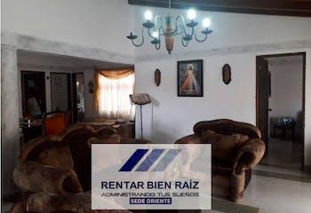 Casa en La Ceja, Antioquia, 4 Habitaciones- 170m2