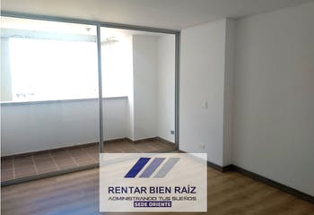 Apartamento en La Ceja Antioquia, Con 2 habitaciones-72mt2
