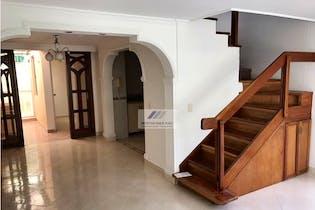 Casa en Calasanz-La América, con 4 Alcobas - 160 mt2.