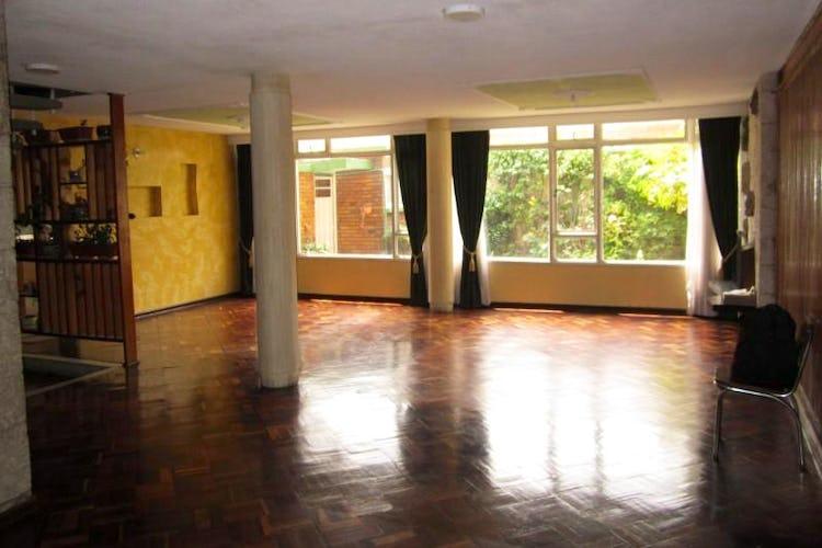 Portada Casa En Arriendo/venta En Bogota La Castellana