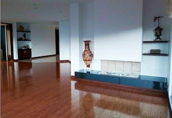 Apartamento en Chico Navarra, Santa Barbara - 256mt, cuatro alcobas, balcon