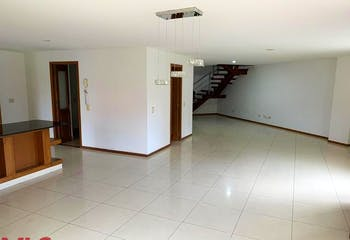Apartamento en Aves Maria, Sabaneta - 250mt, dos niveles, tres alcobas