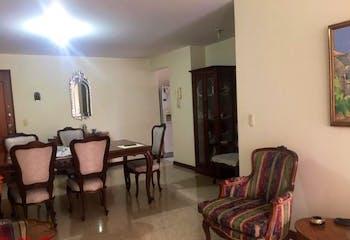 Apartamento en El Portal, Envigado - 107mt, tres alcobas, balcon