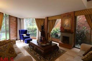 Casa en Los Balsos, Poblado - 281mt, cuatro alcobas, terraza
