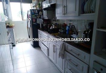 Apartamento en Loma de los Bernal, Belen - 105mt, dos alcobas, balcon