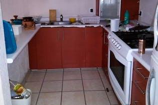 Casa en venta en Lomas Estrella con Patio.