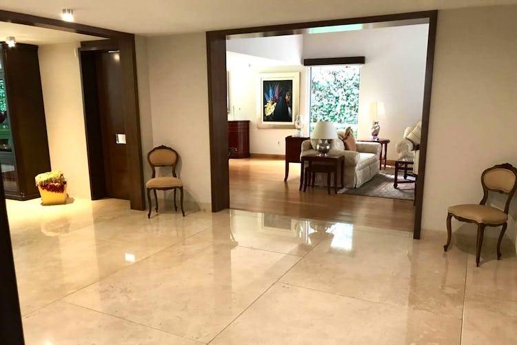 Portada Casa en venta en Bosques de las Lomas, 660 m2, con terraza techada.