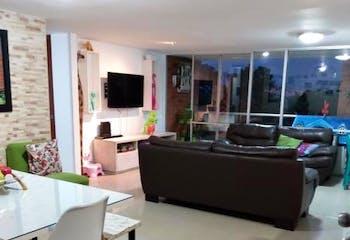 Apartamento en Loma de Las Brujas, Envigado - Tres alcobas