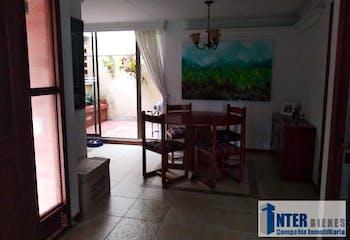Casa en Loma del Escobero, Envigado - Cuatro alcobas