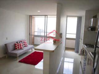 Una sala de estar llena de muebles y una ventana en ENTREHOJAS