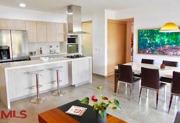 Apartamento en Loma de las Brujas, Envigado - 121mt, tres alcobas, balcon