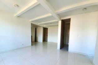 Apartamento en venta en Restrepo Naranjo, con dos alcobas, balcon