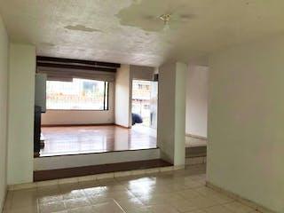 Un cuarto de baño con lavabo y un espejo en Casa En Pontevedra-La Floresta, con 4 Alcobas - 230 mt2.