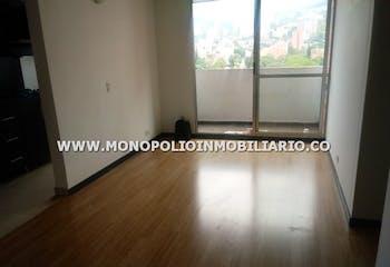 Apartamento en Los Colores, Estadio - 60mt, tres alcobas, balcon