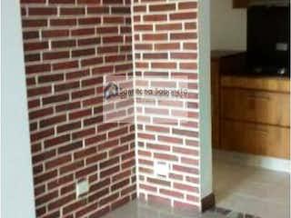 Una imagen de una habitación con una ventana en Apartamento en Camino Verde, Envigado - Tres alcobas