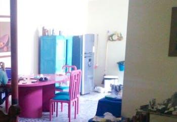 Casa en las palmas,Barrio Colón,360 mts2-10 Habitaciones,Balcon