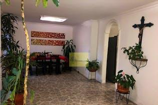 Apartamento en Los Almendros, Laureles - 109mt, tres alcobas, balcon