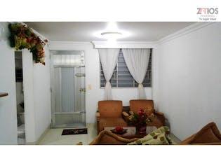 Casa en Robledo, Bello Horizonte - 103mt, tres pisos, cinco alcobas