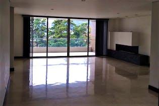 Apartamento en el Tesoro, Poblado, 3 Habitaciones- 235m2.