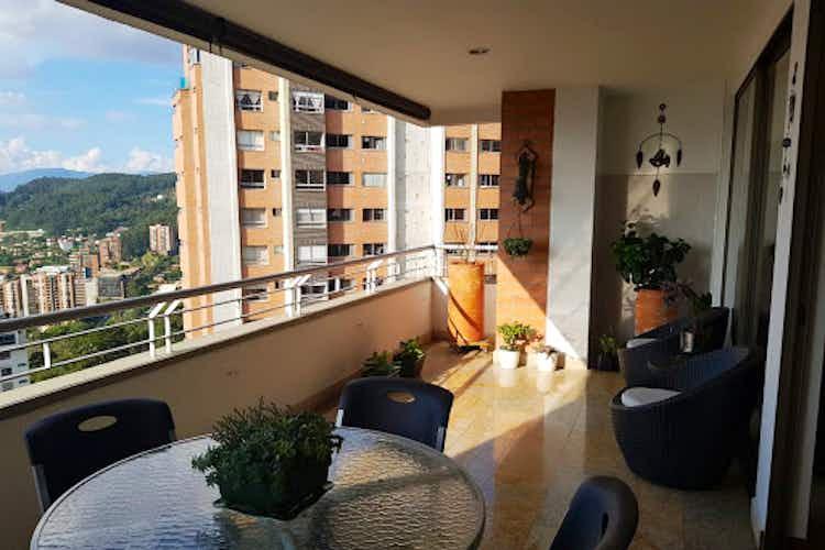 Portada Apartamento en El Tesoro-El Poblado, con 3 Habitaciones - 214 mt2.