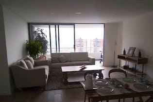 Apartamento en Loma de las Brujas, Envigado - 134mt, tres alcobas, balcon